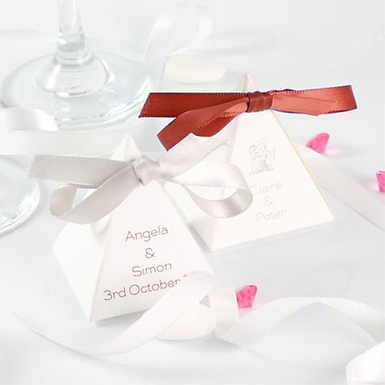 Ribbons Pyramid Favour Boxes