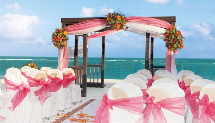 Photo by http://karismahotels.com/ImEngaged/Weddings