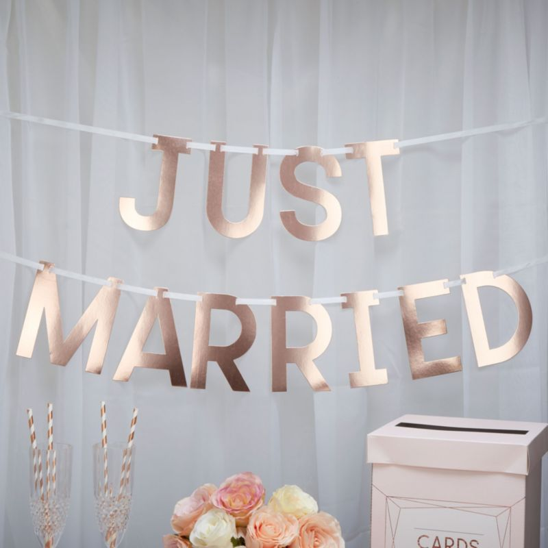 Wedding Props You Need For Your Wedding